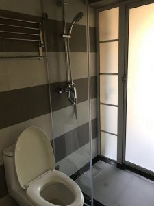 寮シャワー